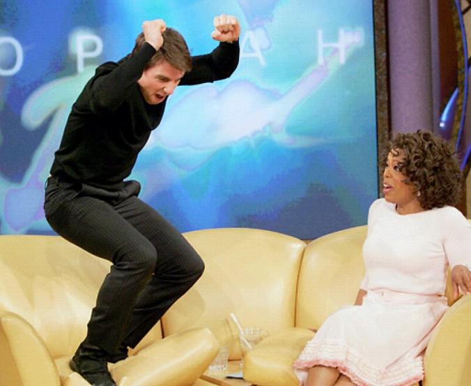 1432321055_tom-cruise-couch-oprah-zoom.jpg